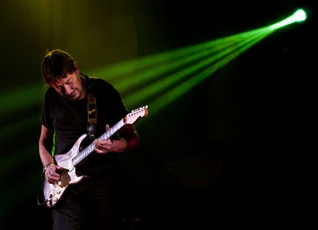 Chris Rea Cancels Show After On-Stage Collapse