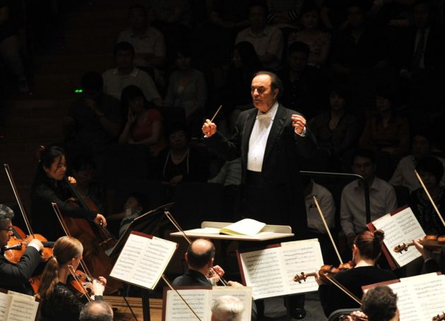 AP: Six New Sex Allegations Against Conductor Charles Dutoit
