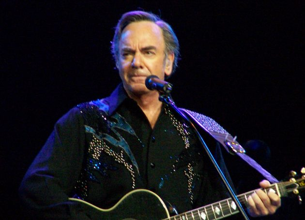 Neil Diamond To Receive Recording Academy Lifetime Achievement Award
