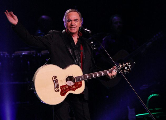 Neil Diamond Fans Pledge Concert Ticket Refunds To Charity
