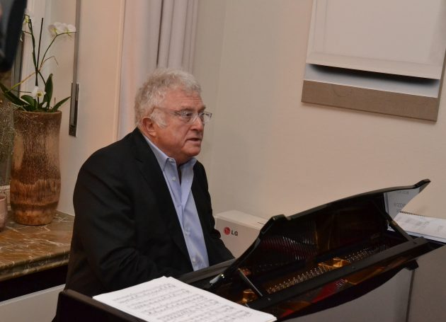 Randy Newman Apparently Cancels European Tour Because Of Knee Surgery