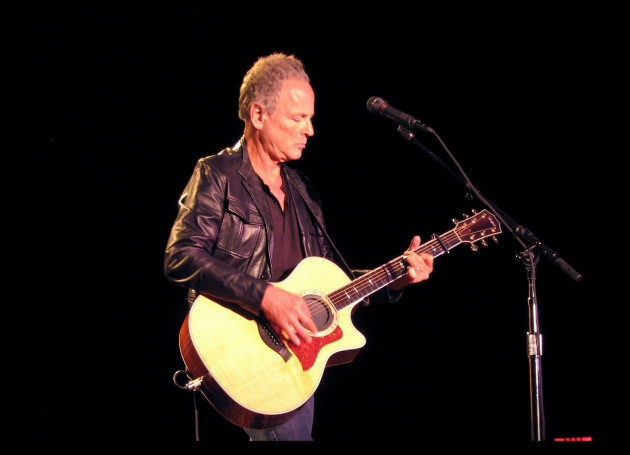Lindsey Buckingham Reportedly Fired From Fleetwood Mac