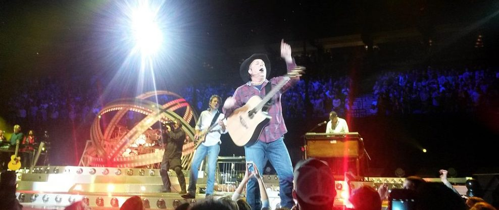 Garth Brooks Announces New Tour