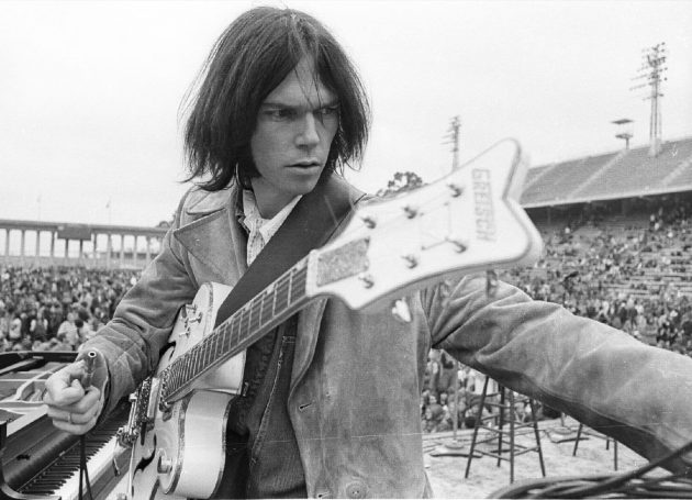 Lost Neil Young, Joni Mitchell Concert Recordings From 1968 Found