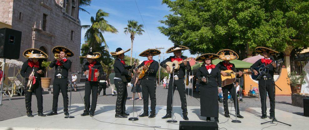 Gunmen, Dressed As Mariachi Musicians, Kill 5 In Mexico City