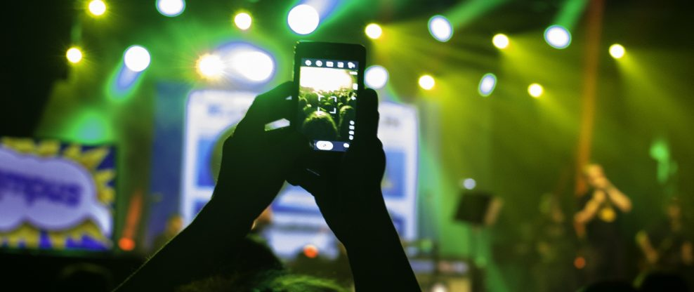 UK Survey Says People Annoyed By Cell Phones At Concerts