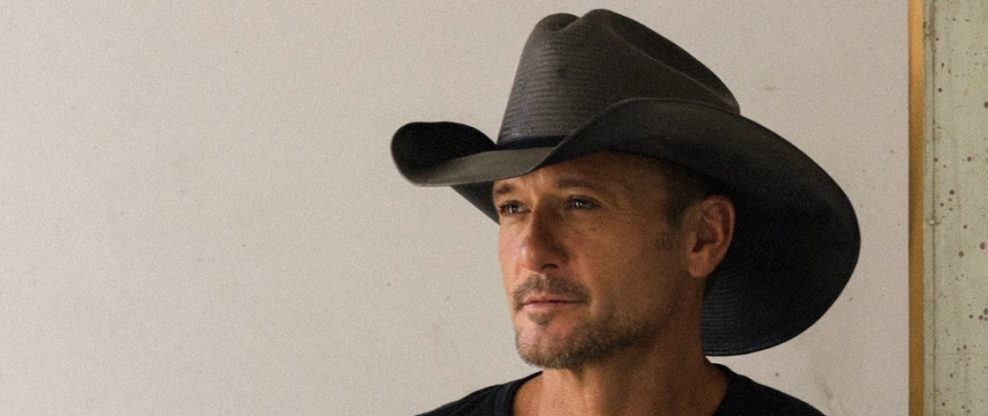 Tim McGraw Jumps Off Stage To Confront Hecklers