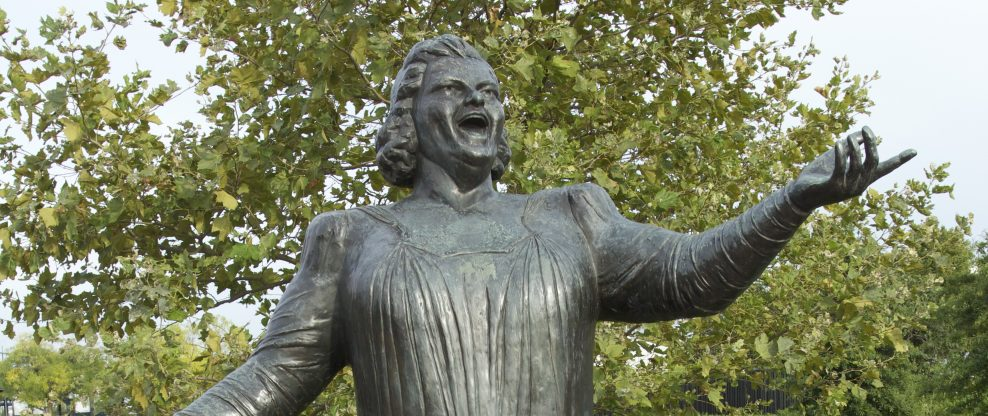 Philadelphia Flyers Remove Statue of Late Singer Kate Smith Amid Racism Allegations