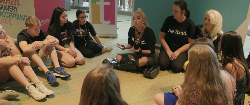 Lady Gaga rapping with some teens