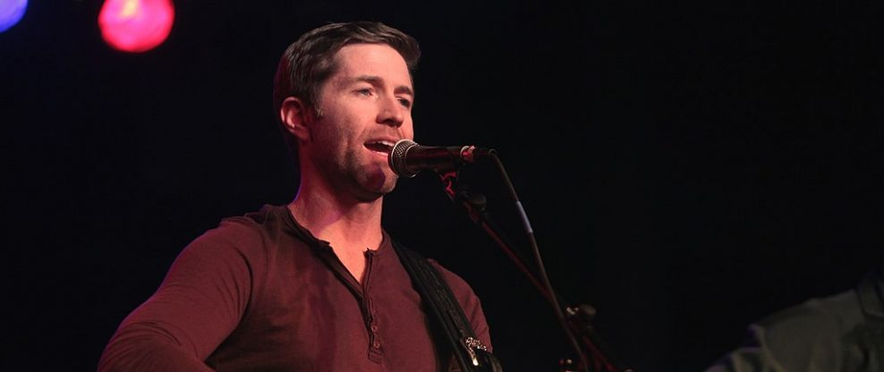 Country Singer Josh Turner's Crew Members Involved in Bus Crash Leaving 1 Dead, 7 Injured
