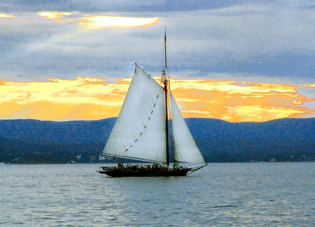 The Hudson sloop Clearwater