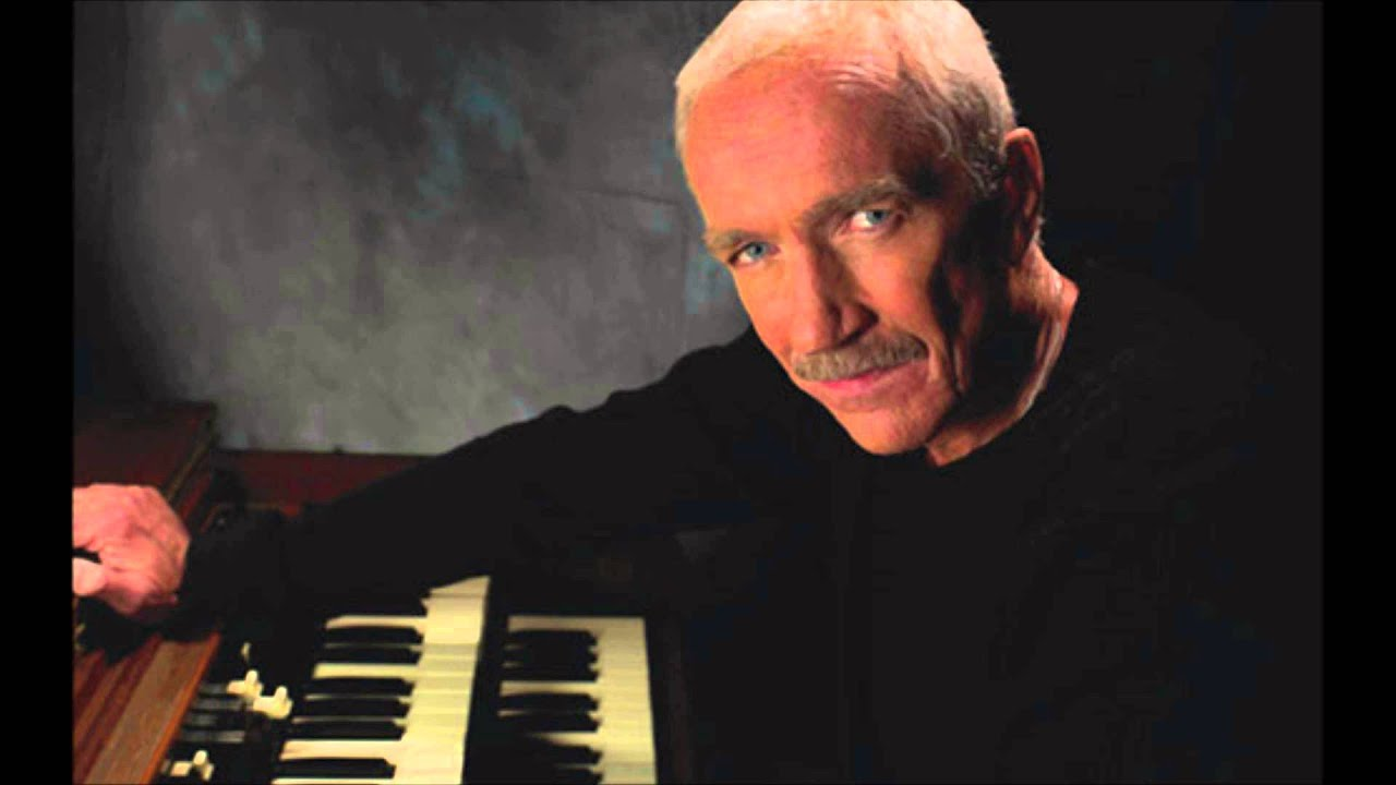 Legendary Keyboardist & Session Player Mike Finnigan Dead At 76 -  CelebrityAccess
